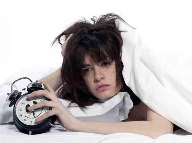 「睡眠不足」肥満リスクに…食欲抑えるホルモン減り空腹感