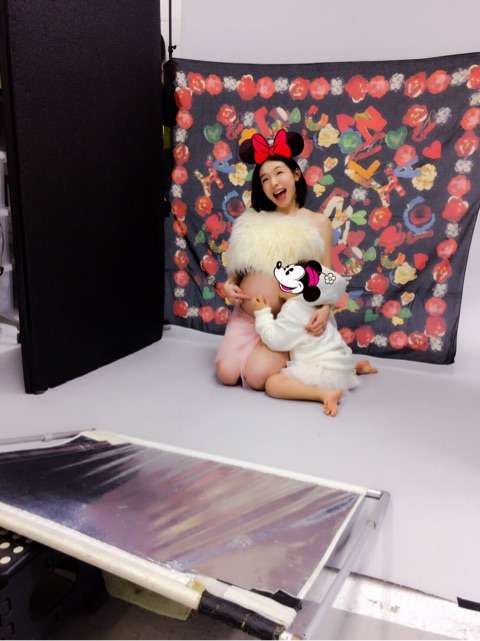 加護亜依 太股あらわな臨月妊婦写真