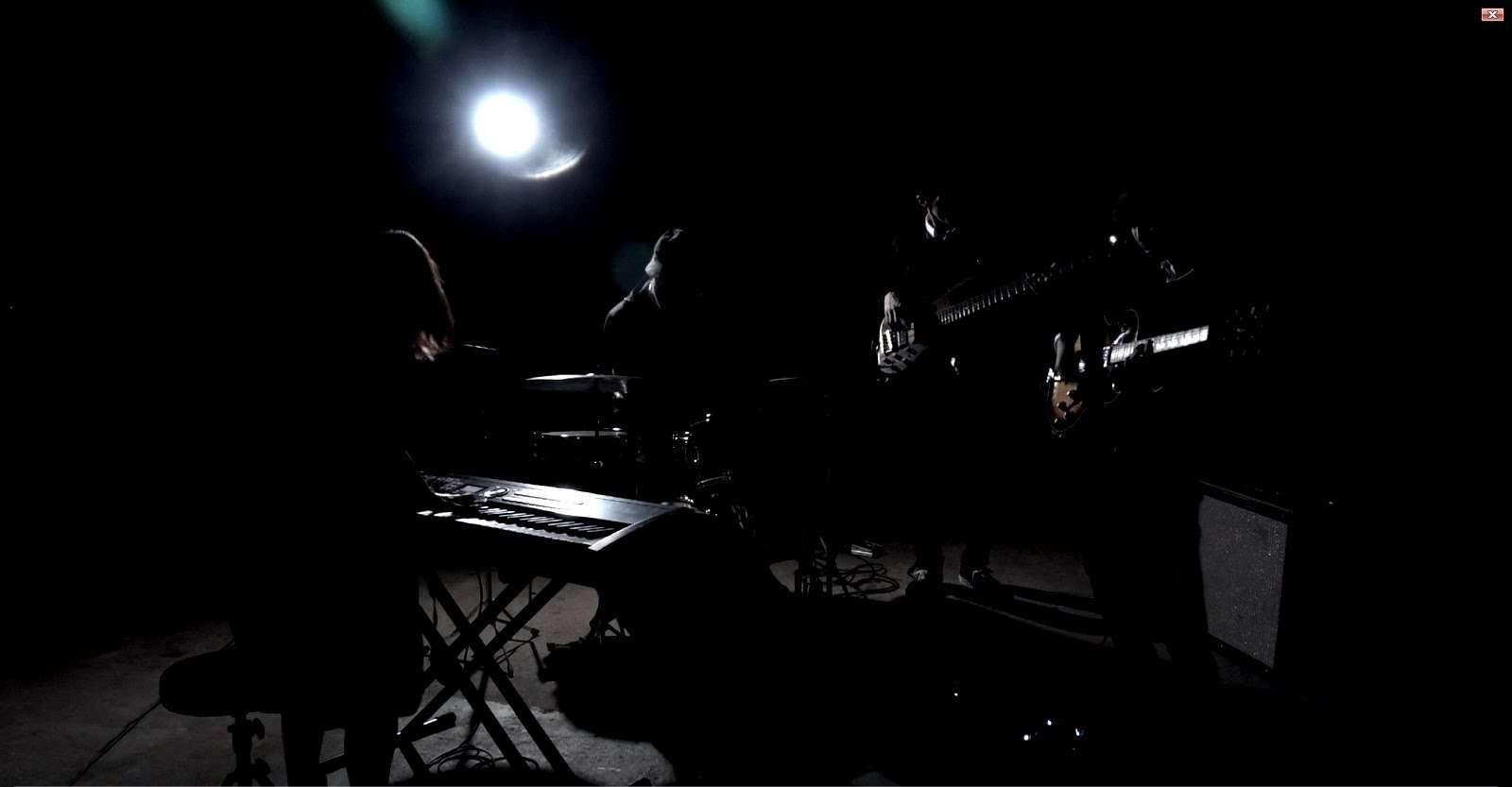 "jizue ""atom"" (Official Music Video) - YouTube"