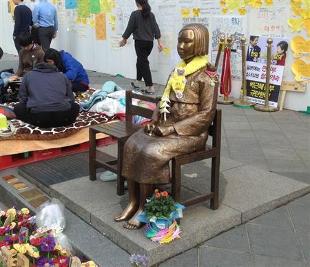 釜山・慰安婦像設置 韓国政府が地元自治体に移転を要請 韓国メディア (産経新聞) - Yahoo!ニュース