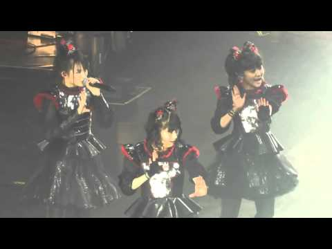 BABYMETAL - YAVA! (live) @ London WEMBLY - YouTube