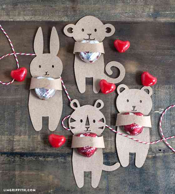 Etsy の SVG FILE: Valentine's Day Candy Huggers by LiaGriffith