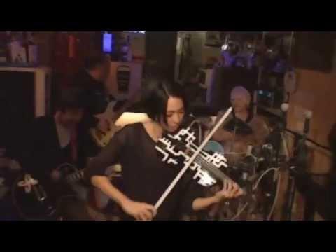 【BOOWY】完成したので、弾いてみるぅ、B-BLUE【布袋バイオリン】 - YouTube