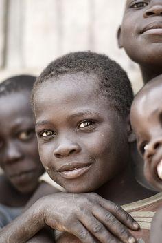 「なんでアフリカの子どもは助けようとするのに学校に来ない同級生は助けないの?」中学生が書いた作文が話題に