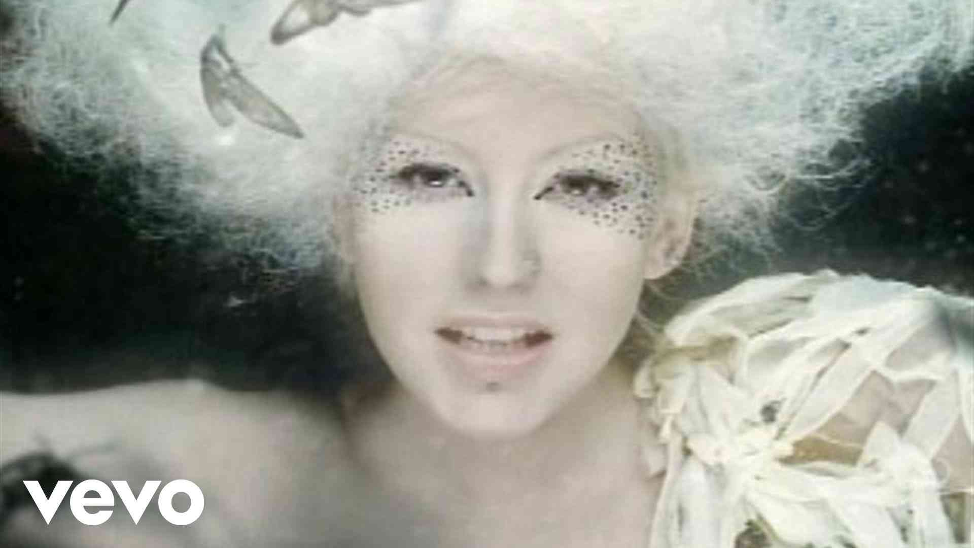 Christina Aguilera - Fighter - YouTube