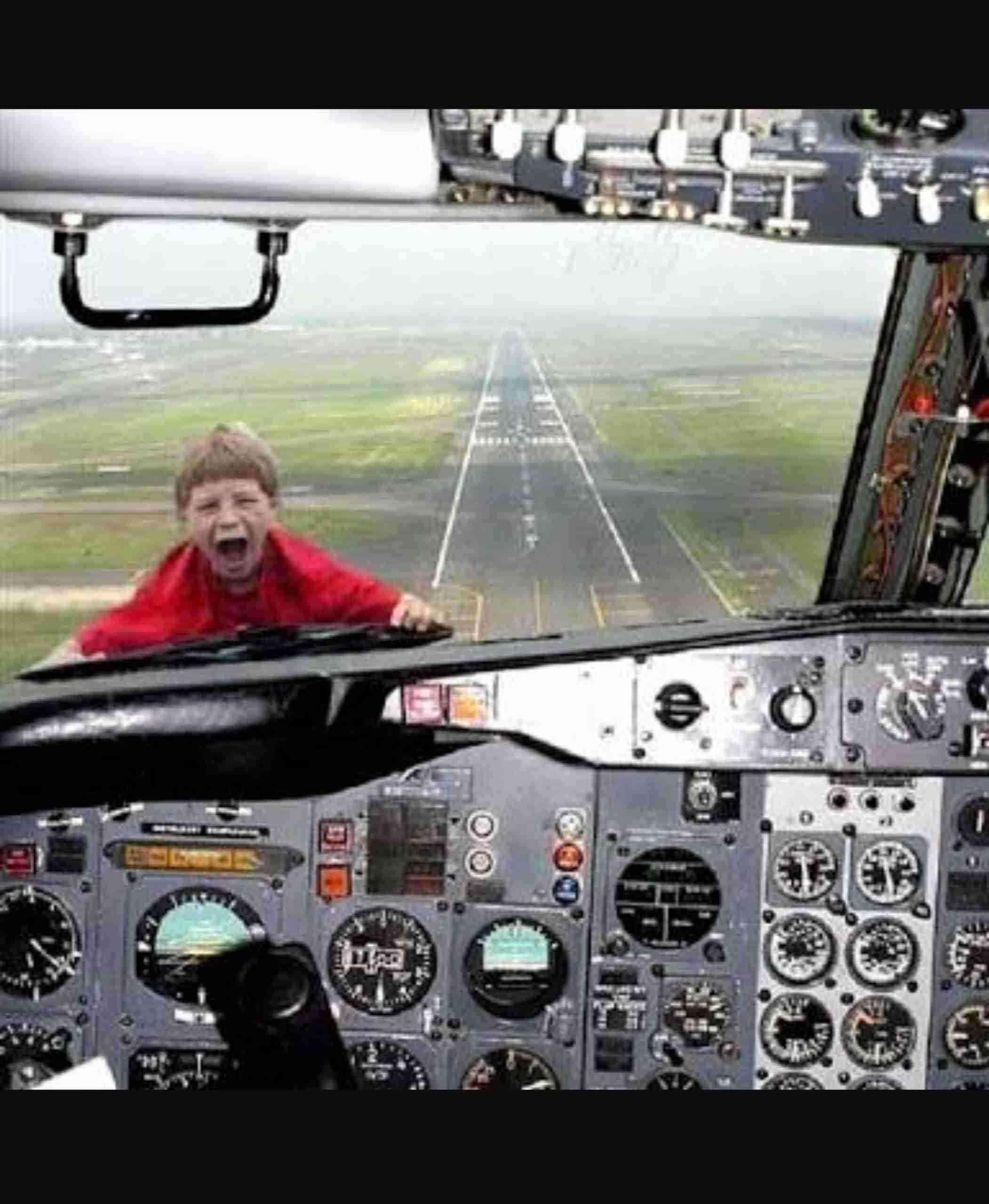 飛行機が死ぬほど怖い人集まろう〜!