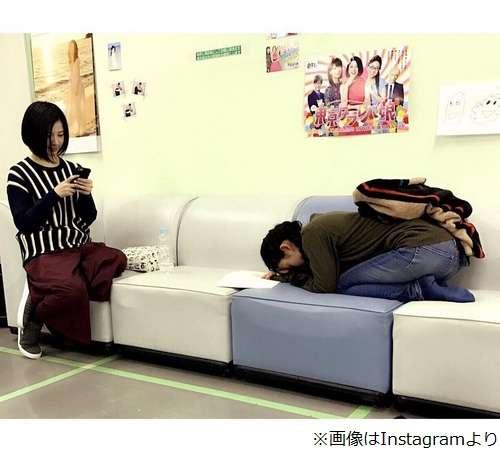 """お疲れ大島優子が""""土下座寝""""""""ごめん寝""""   Narinari.com"""