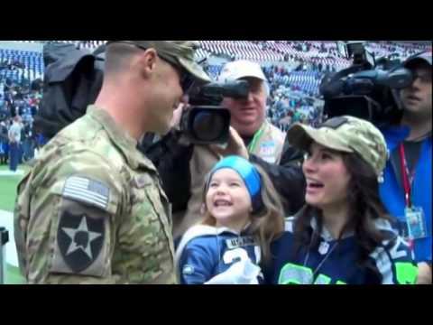 命をかける米兵の突然の帰還 父であり、兄、息子である - YouTube