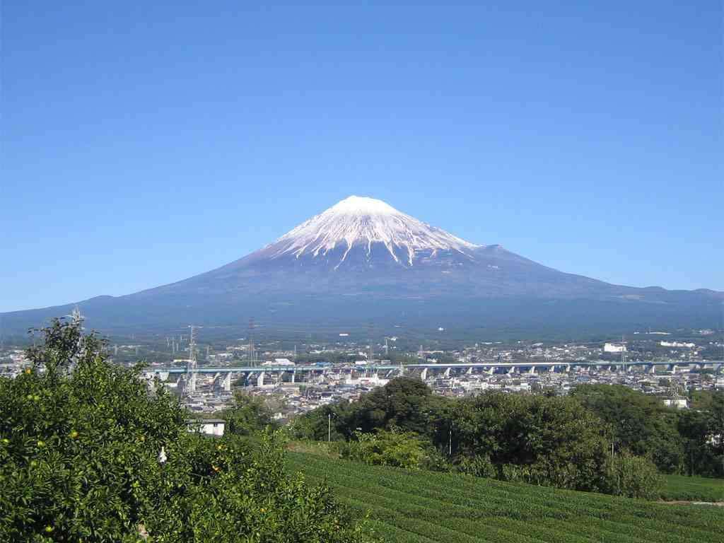 富士山で登山中の男女遭難か 携帯電話で119番「救助して」