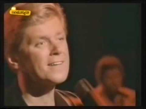 Chicago - Hard To Say I'm Sorry (stereo sound) - YouTube