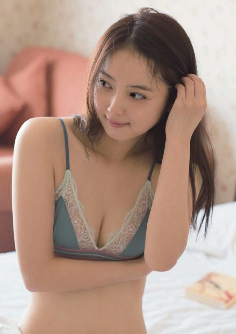 """佐々木希の""""入浴ショット""""にファン歓喜"""