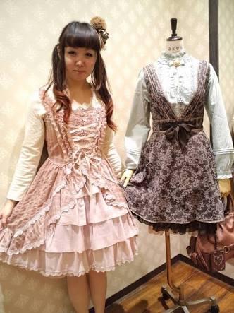 フェミニン系の服や小物が好きな人!