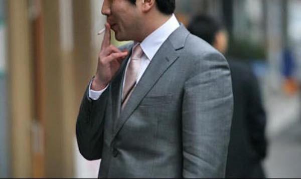 「喫煙者だけズルい!」タバコ休憩している人がいたので禁煙者の僕も1時間に10分程度休憩に行ってみた。-Cadot(カド) |