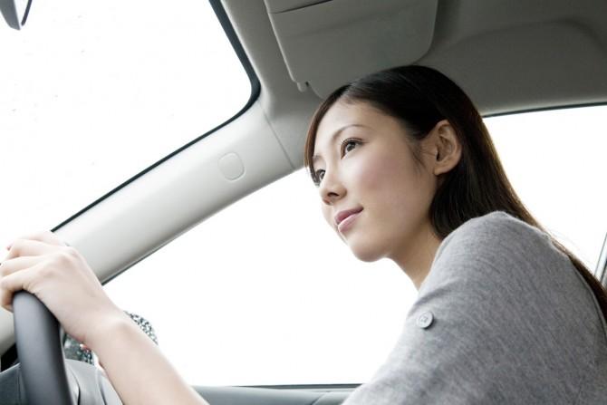 男性が思う、「ダサい女性」が乗る車の特徴