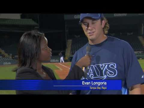 Evan Longoria's Crazy Bare Hand Catch - YouTube