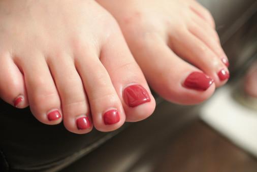 女子の足は男子より5倍臭い!?あなたは大丈夫ですか?足の臭いの原因と対処法