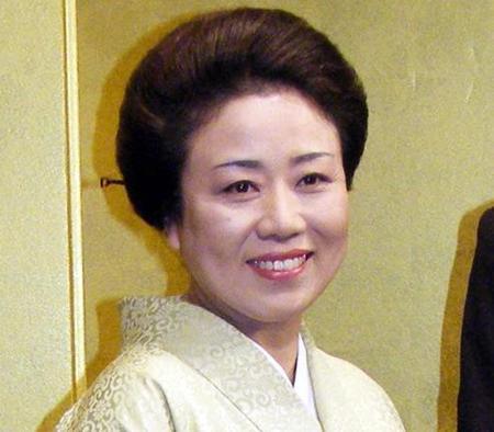 藤山直美、乳がん「治療に専念」 舞台上演中止発表