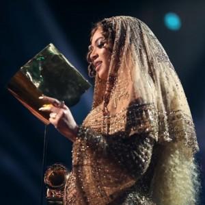 ビヨンセがアデルに完敗 グラミー賞の「人種問題」に批判の声も