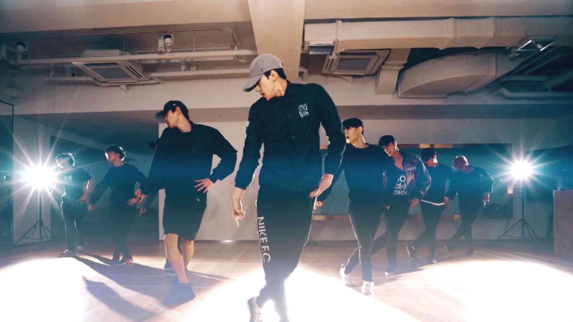 EXO_Monster_Dance Practice ver. - YouTube