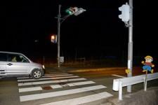 小学生3人はねられ1人重体=下校中、横断歩道で―61歳女逮捕・大阪