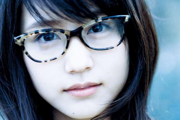 有村架純のメガネ姿が超かわいいと話題に