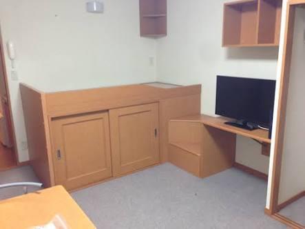 一人暮らしの狭い部屋、どう工夫してる?
