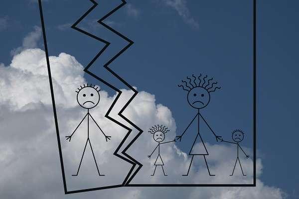 離婚後の「良好な親子関係」を求める法案にネット上で賛否両論