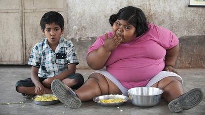 「遅い時間に食事をしても子どもの肥満には結びつかない」という研究結果が判明