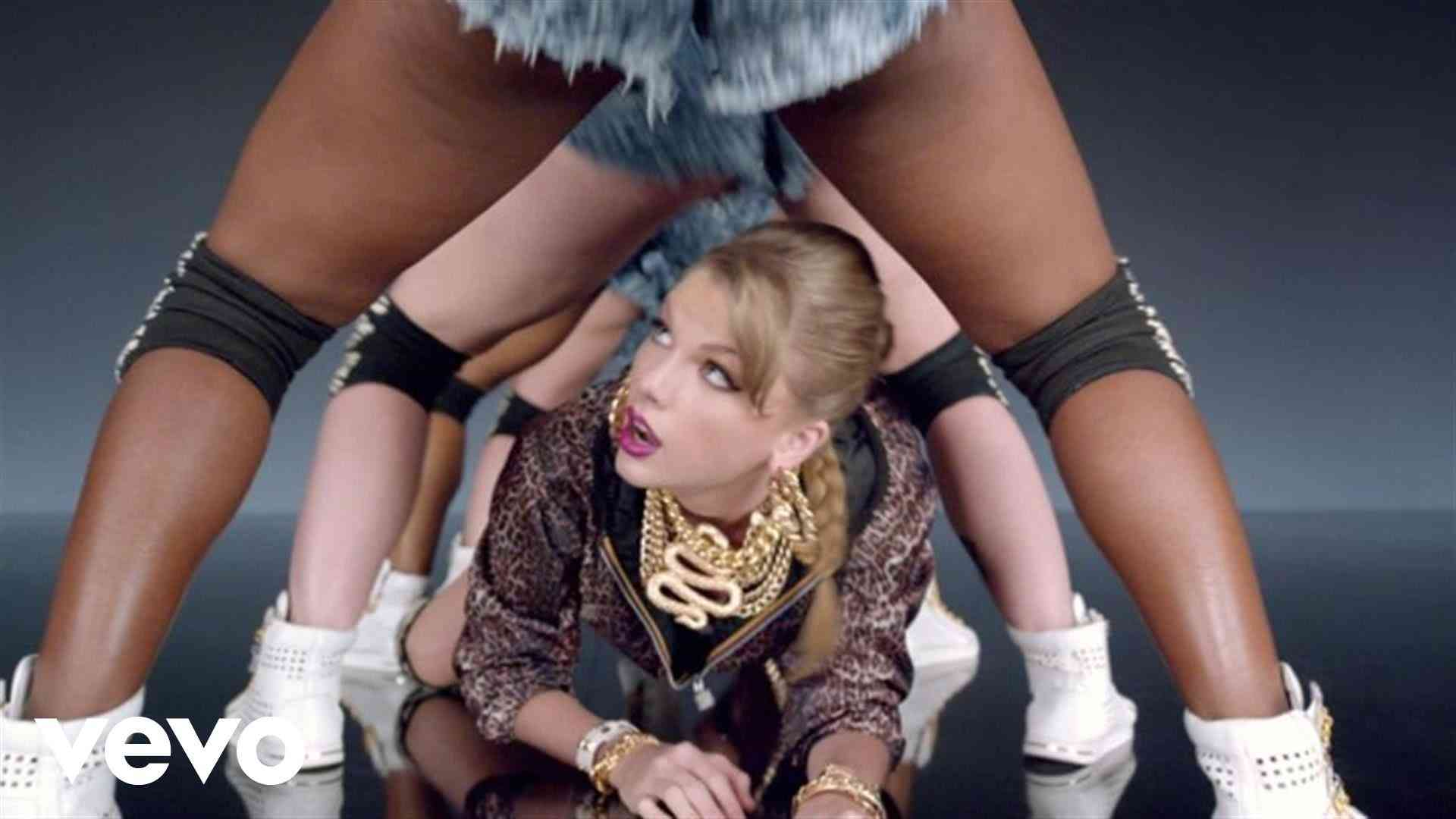 Taylor Swift - Shake It Off - YouTube