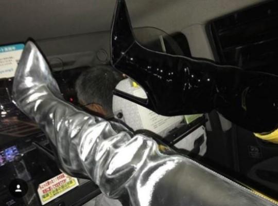 元2NE1・CL、日本のタクシーで失礼な乗り方の写真を掲載し炎上。運転手が可哀想と話題に |