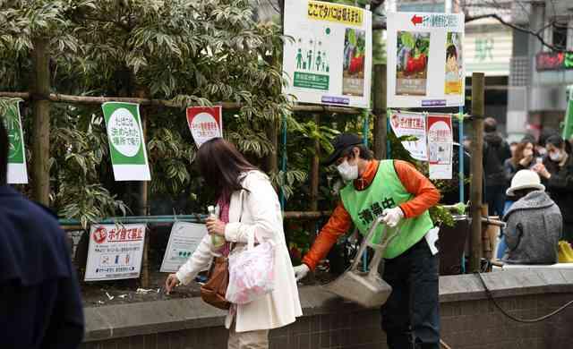 ハチ公前、路上喫煙が後絶たず 清掃員の面前でポイ捨て:朝日新聞デジタル