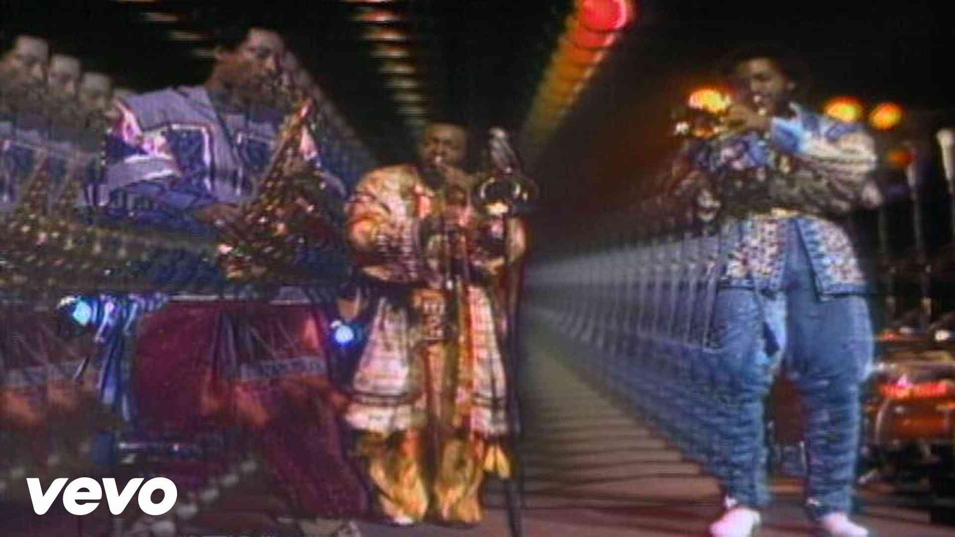 Earth, Wind & Fire - September - YouTube