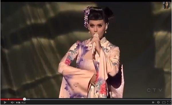 親日家のケイティ・ペリーが着物姿で新曲を披露→なぜか批判続出「人種差別的だ」