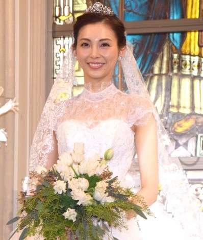 押切もえ、結婚後初イベント 挙式時のウェディングドレスで登場