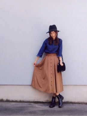 ミモレ丈スカートのコーディネート
