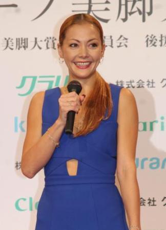土屋アンナ、2度目の離婚…スタイリストの菊池大和氏と「価値観にズレ」