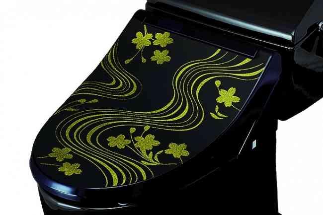 ダイヤモンドの装飾に、高級車のような輝き お値段1000万円超のラグジュアリーな便器が誕生