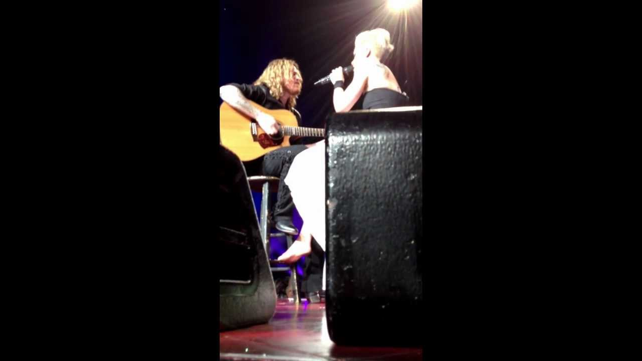 P!nk Who Knew Wells Fargo Center Philadelphia 3/17/13 - YouTube