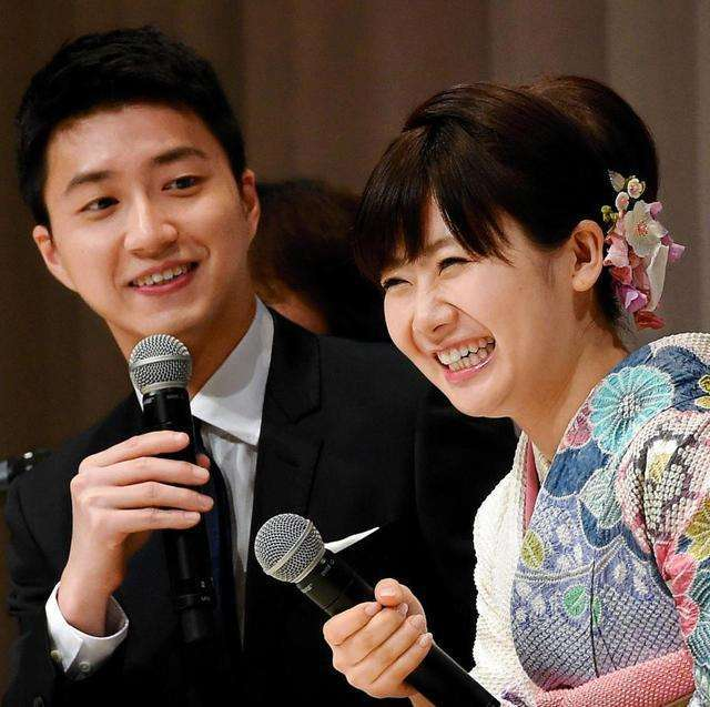 福原愛、江宏傑と結婚会見 東京五輪へ競技続行「頑張っていく」