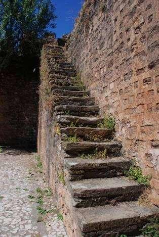階段を降りるのが怖い人いますか?