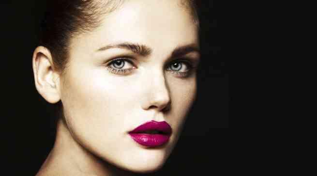 唇が厚い美人の画像を貼るトピ