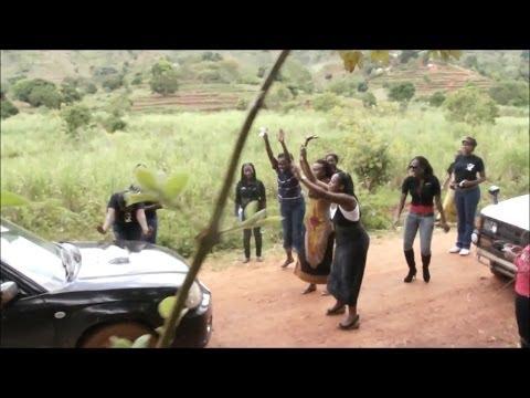 【スバル車=神】スバル・フォレスターがアフリカで神と崇められる瞬間とその理由にワロタwww - YouTube