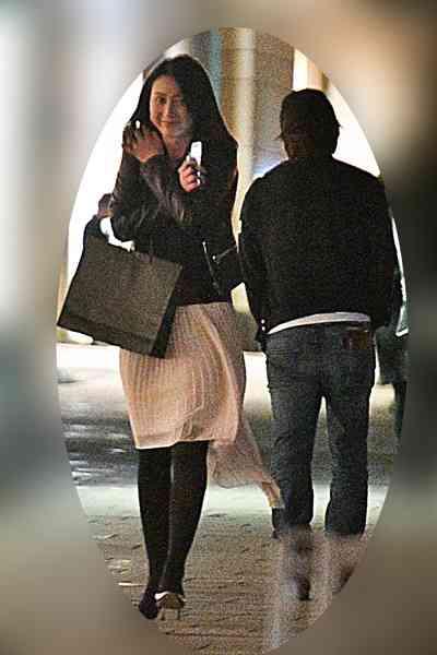 テレ朝小川アナと交際報道の櫻井翔 彼女を会社まで車で送迎 (NEWS ポストセブン) - Yahoo!ニュース