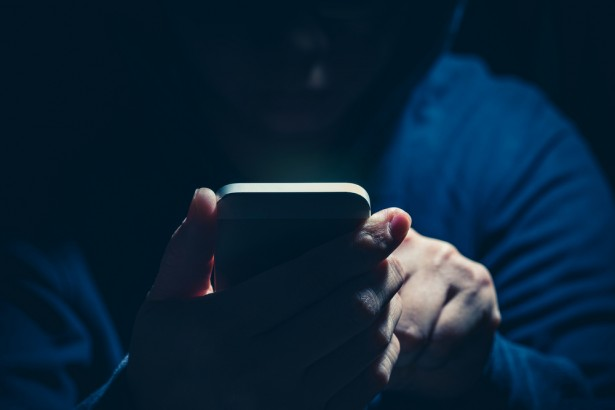 5.6億台のiPhone強制リセット、ハッカーが予告 自分の端末を守るには?   Forbes JAPAN(フォーブス ジャパン)
