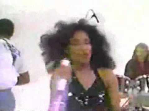 Chaka Khan - Do You Love What You Feel - YouTube