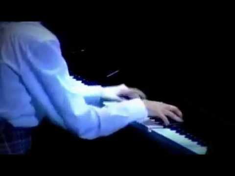 乃木坂46 生田絵梨花 プロコフィエフ ピアノソナタ第2番 4楽章 - YouTube