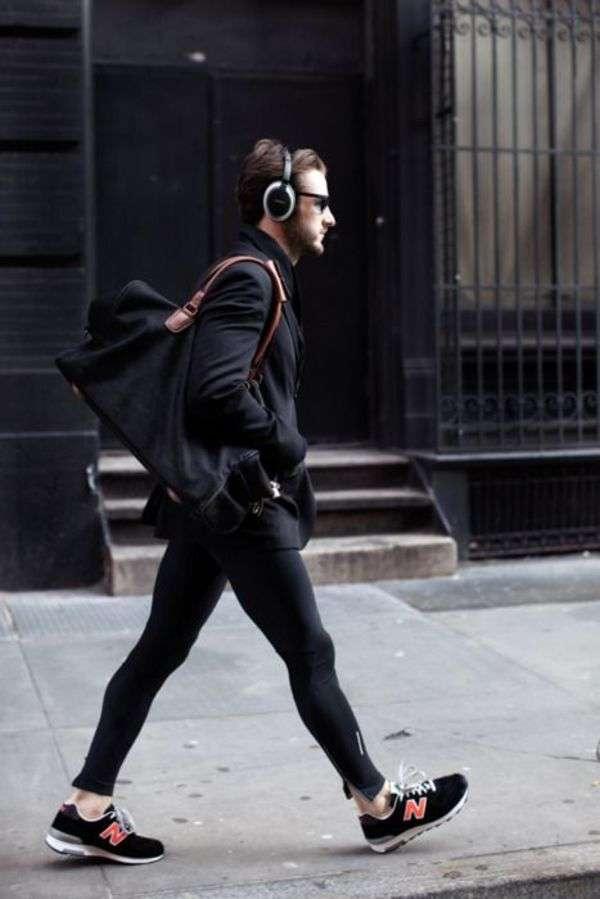 米航空会社がレギンス着用少女の搭乗拒否、ネットで反発招く