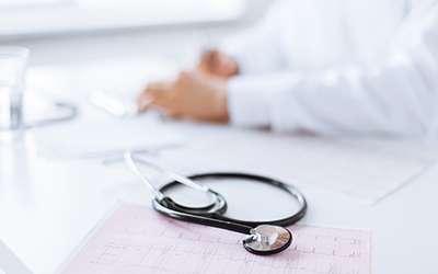 無資格で中絶手術容疑、医師2人を書類送検 東京