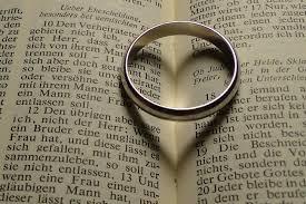 「彼氏は好きだけど、彼氏の親は好きじゃない」事実婚を選ぶ男女それぞれの事情