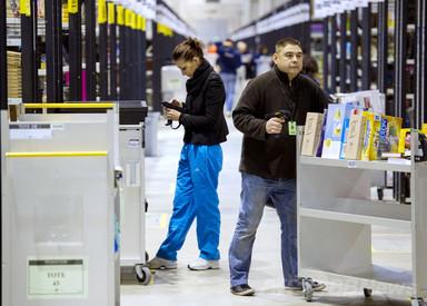 仏議会で「反アマゾン法」可決、オンライン書店の無料配送禁止 写真1枚 国際ニュース:AFPBB News